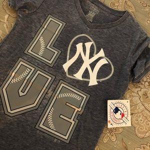 Brand new New York Yankees love t-shirt XS grey